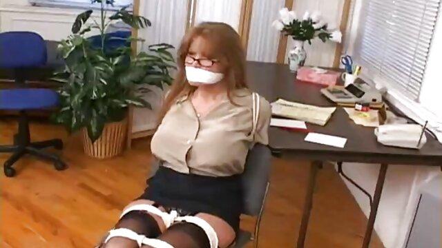 日本の女子高生toyingとクソ彼女自身とともに野生のディルド蓮 セックス 女性 用 動画
